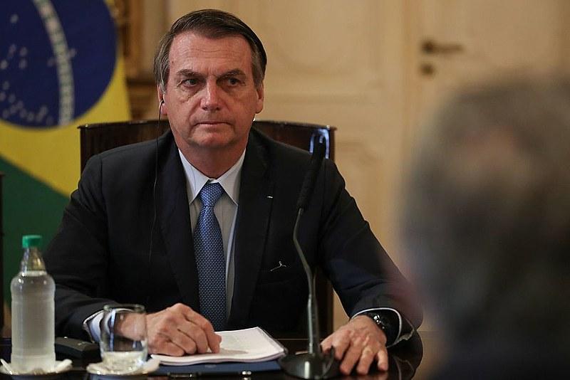 Bolsonaro liberou a posse de armas e anuncia banir radares das estradas e ampliar tolerância com direção violenta