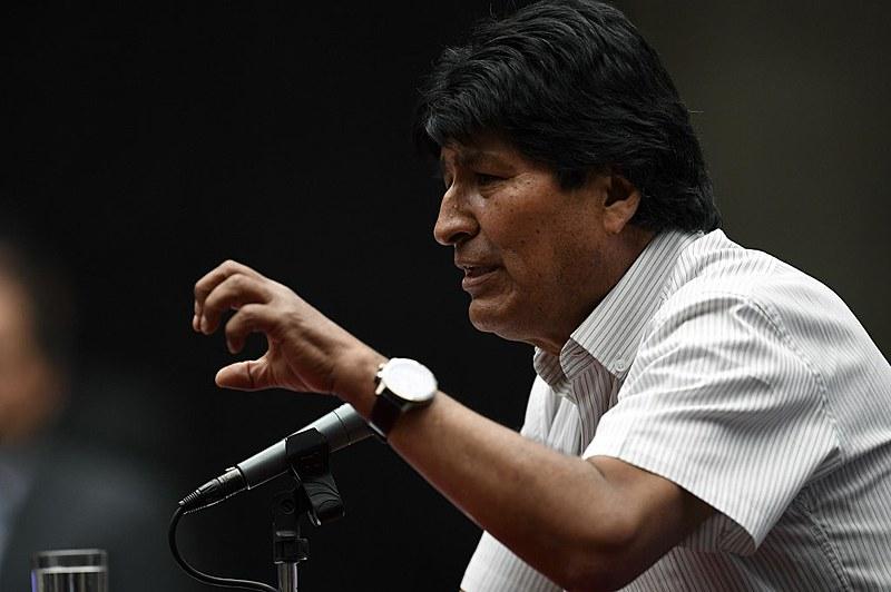 O presidente renunciou no domingo (10) e recebeu asilo político no México