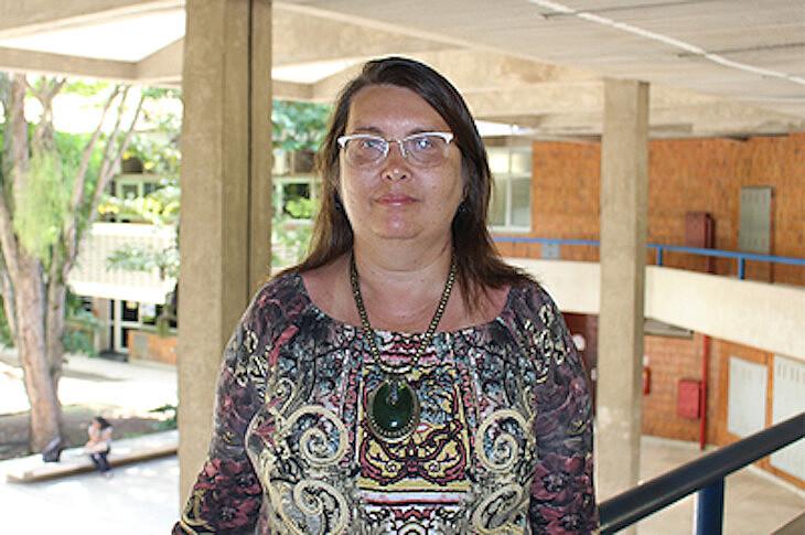 Fátima Siliansky alerta para a condição precária que a maioria dos hospitais universitários estão submetidos
