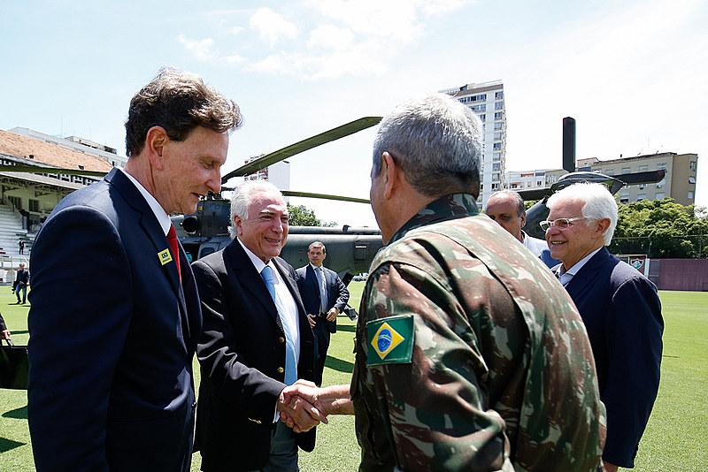 Reunião de trabalho sobre segurança realizada no dia seguinte ao decreto da Intervenção Federal. Temer chega na na Base Aérea do Galeão