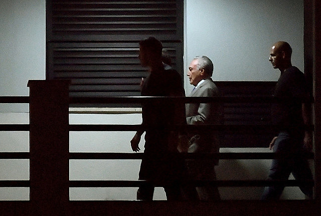 La justicia ordenó liberar a Temer, detenido el último jueves (21)