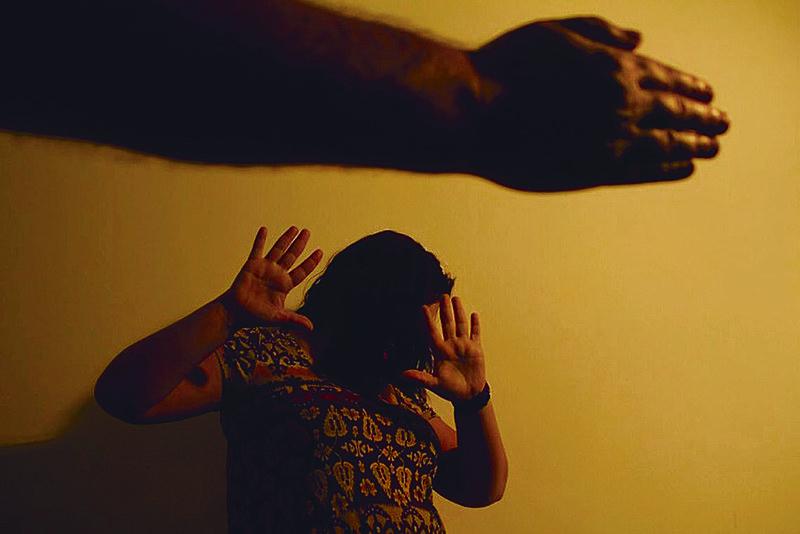 Segundo estudo, 50,3% das mortes violentas são cometidas por familiares e 33,2% por parceiros ou ex-parceiros