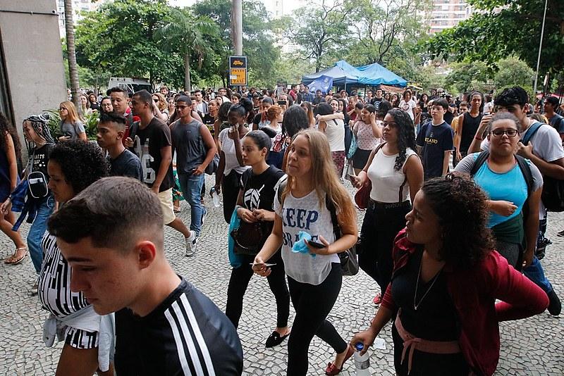 Mais de 6 mil estudantes foram afetados pela falha das notas do Enem.