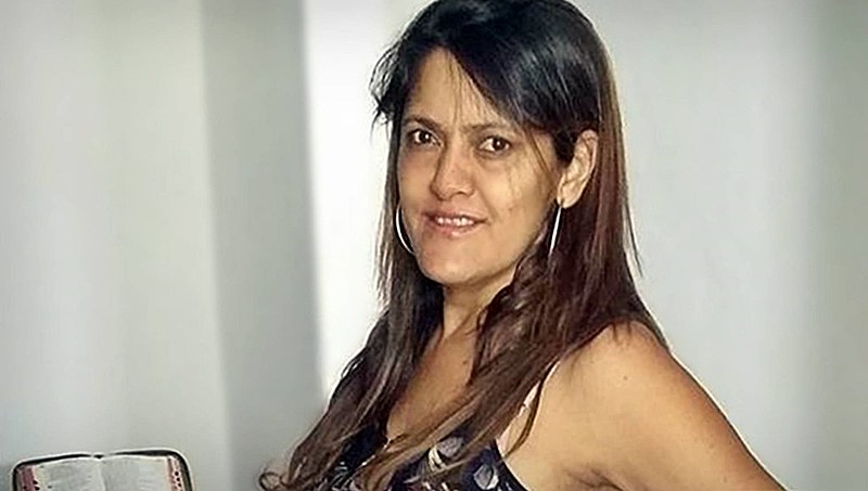 Heley Abreu Silva Batista morreu tentando proteger seus alunos em Janaúba