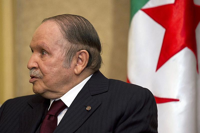 Presidente Abdelaziz Bouteflika anunciou que irá renunciar a presidência do país