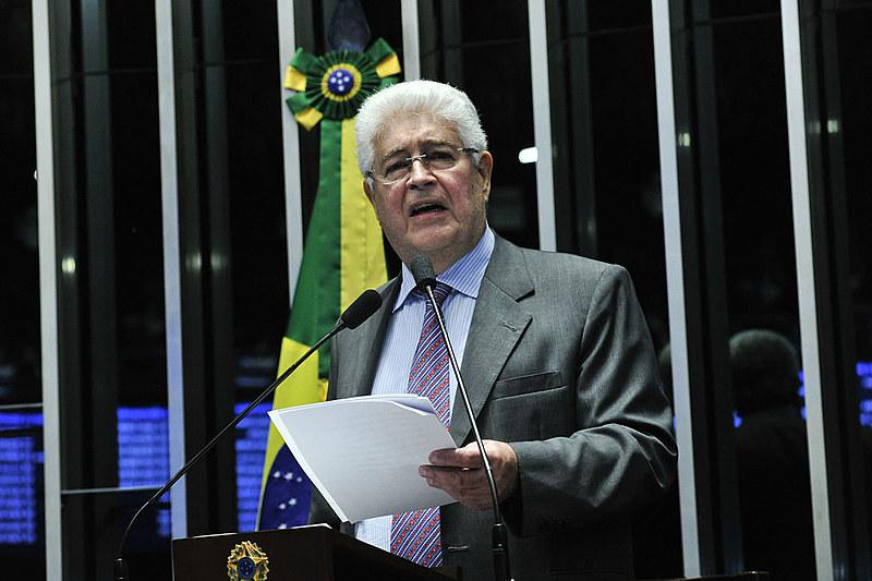 Senador tem sido importante voz contra golpe no Brasil