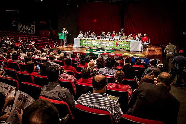 El Plan Popular de Emergencia es presentado en Brasília con participación de movimientos y parlamentarios