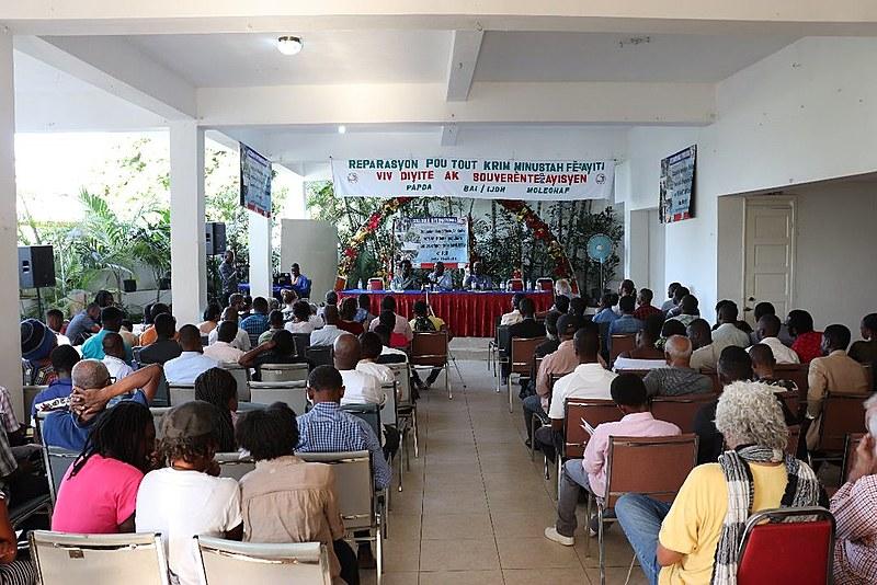 """Mais de 100 organizações participaram do Colóquio Internacional """"Ocupação, Soberania, Solidariedade"""" em Porto Príncipe, capital do Haiti"""