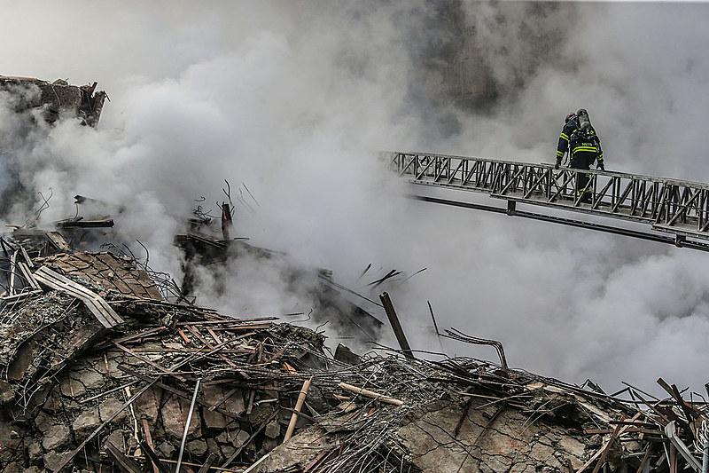 Prédio de 24 andares desaba após Incendio no Largo do Paissandu em São Paulo