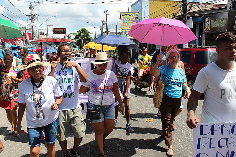 A caminhada foiorganizadapelos próprios moradores e teve 11 paradas em lugares simbólicos do bairro