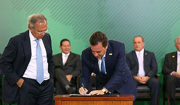 Ex-ministro de Collor entende que, ao favorecer os bancos, Bolsonaro dificultará o acesso dos trabalhadores brasileiros à aposentadoria