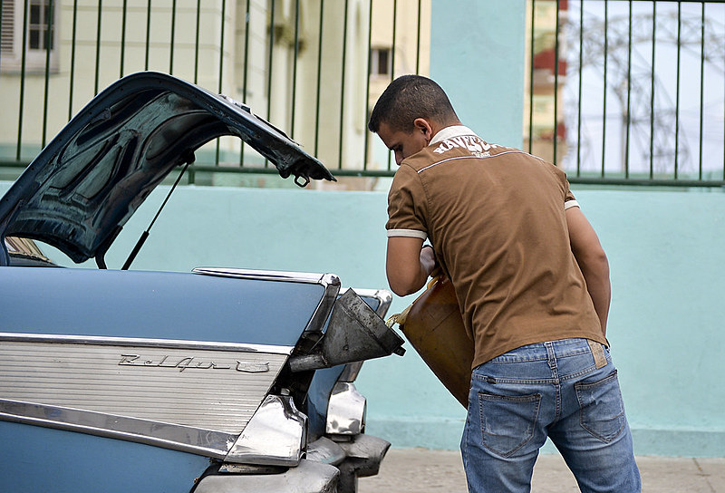 Entre os efeitos das sanções econômicas contra Cuba está a crise de fornecimento de combustíveis que afeta a ilha