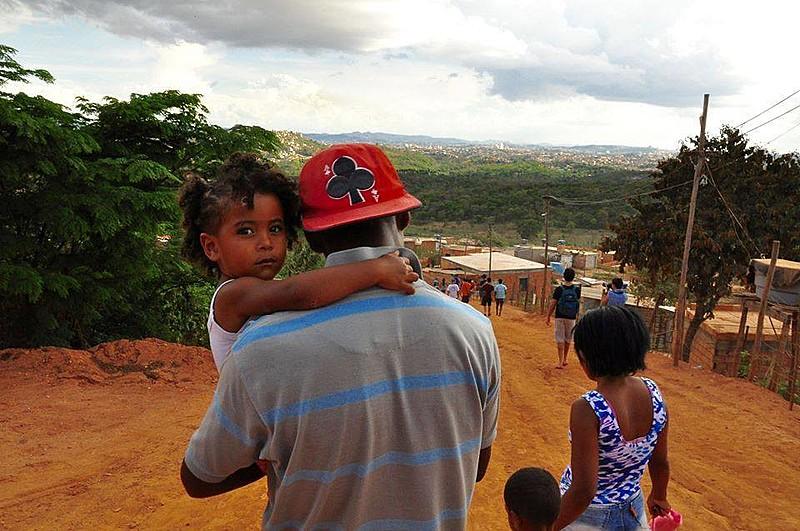 As ocupações da Izidora, região norte de BH, são negados às famílias o acesso a postos de saúde e à matrícula de crianças em escolas e creches