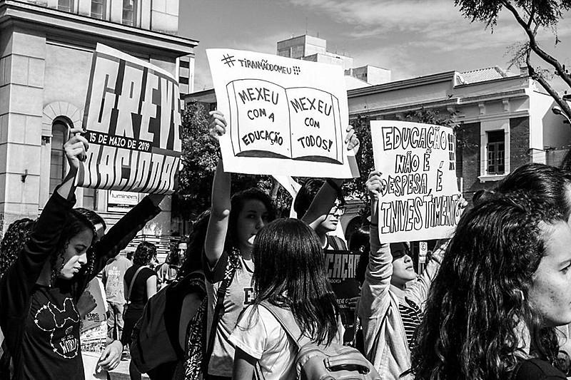Após atos em 222 municípios no dia 15 de maio, novas manifestações estão marcadas para o dia 30