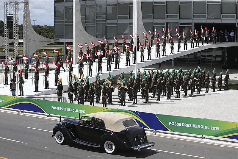 Agentes do Exército durante ensaio para a posse presidencial, em Brasília (DF)
