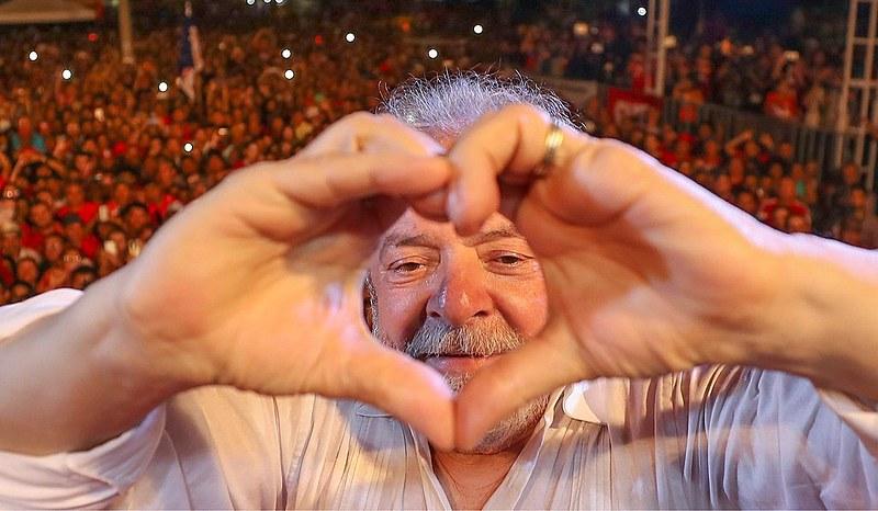 Lula é dor e amor. Exatamente como um avô.