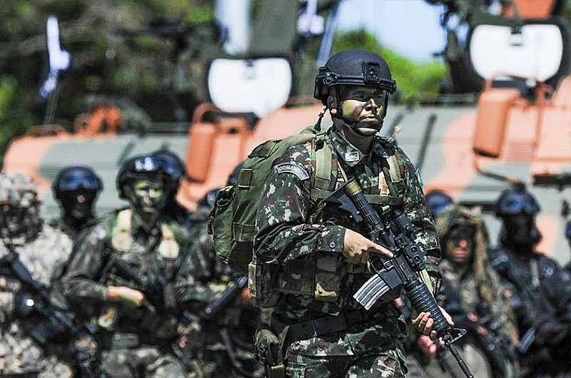 Exército brasileiro nega que a operação conjunta com EUA e países da região sirva como embrião para uma base multinacional na Amazônia