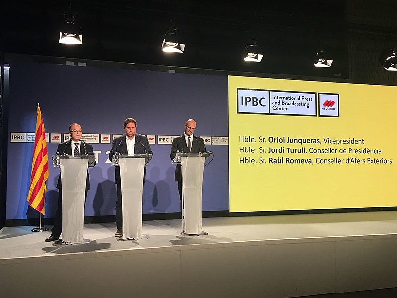 Vice-presidente, Oriol Junqueras, conselheiro da Presidência, Jordi Turull, e Ministro das Relações Exteriores, Raül Romeva