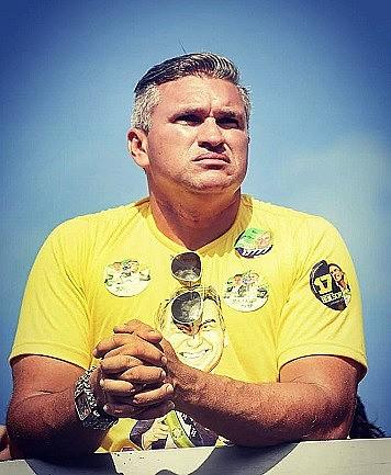 Julian Lemos (PSL) foi eleito como deputado federal pela Paraíba.