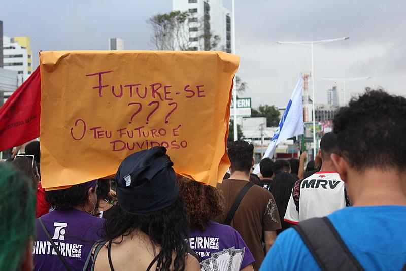 Juventude critica projeto de privatização das instituições de ensino superior