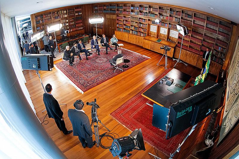 Michel Temer durante a gravação do programa Roda Viva da TV Cultura