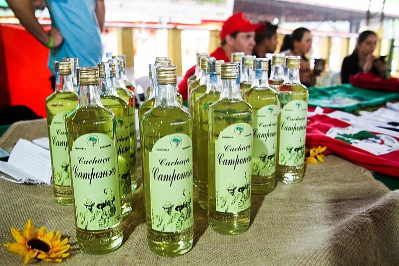 Além da Cachaça Camponeses, a Cooperativa do MST produz açúcar maskavo e melado