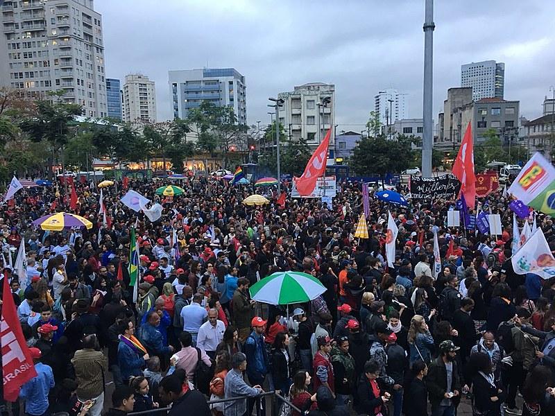 """""""Não me parece haver alternativas fora da construção coletiva"""", escreve Martonio Mont'Alverne Barreto Lima."""