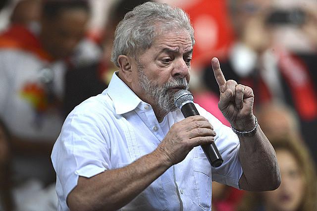 Plataforma do ex-presidente defende que, para reduzir o desemprego, é preciso ampliar o crédito para a produção e o consumo