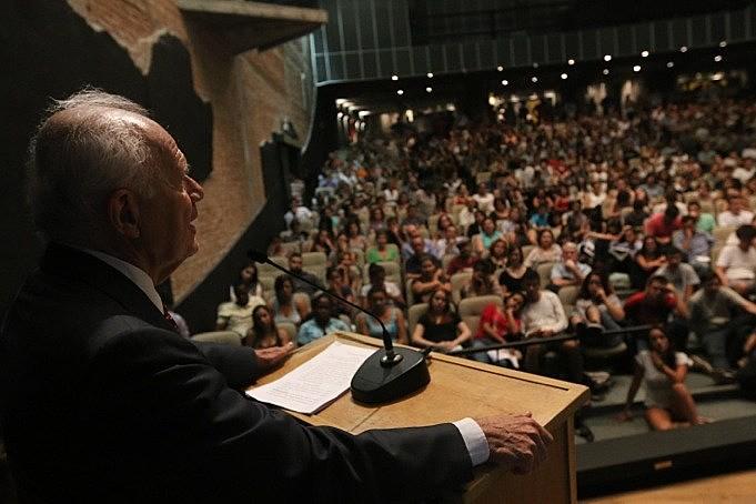 O jurista Fábio Konder Comparato na sessão de 2014, que julgou a Lei de Anistia