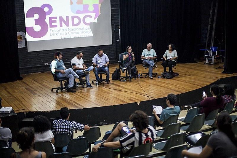 """Painel """"Ética, jornalismo, mídia alternativa na disputa pela informação"""""""