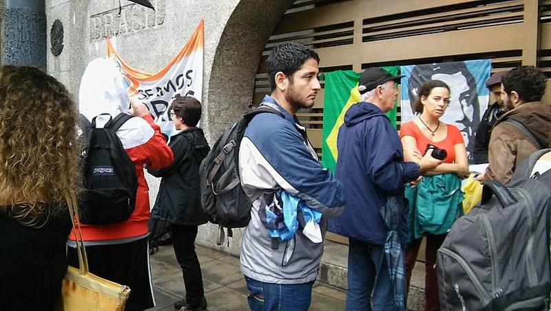 Ato pela defesa da democracia na embaixada brasileira em Buenos Aires (ARG).