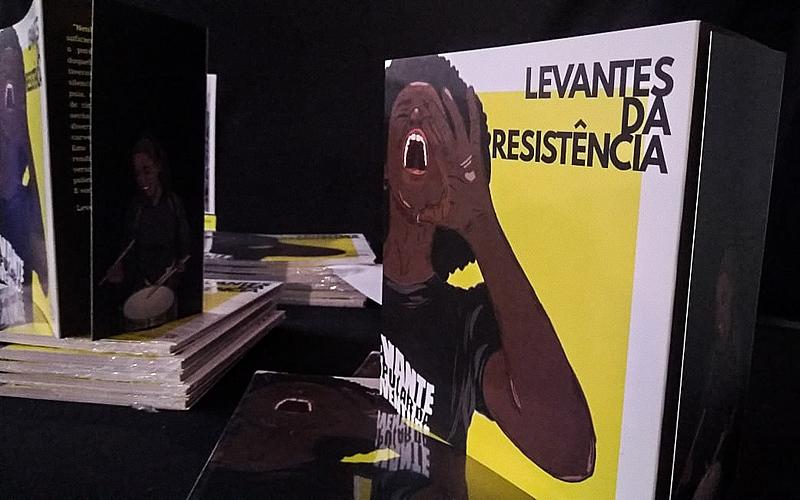 """O livro """"Levantes da Resistência"""" reúne poemas, fotografias e desenhos de mais de 70 artistas de todas as regiões do Brasil"""