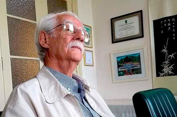 """O professor Adilson Dias Paschoal relança sua obra clássica com novo nome: """"Pragas, agrotóxicos & a crise ambiente"""", pela Expressão Popular"""