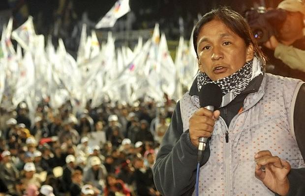 """""""Vou suspender a greve de fome a pedido da minha família, pois não quero que continuem preocupados"""", manifestou Milagros em carta pública"""
