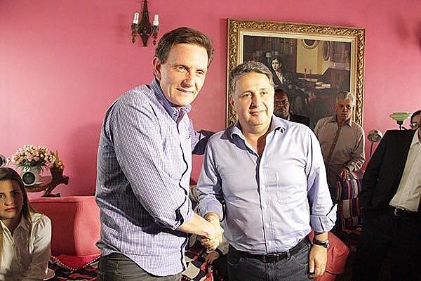 Aliança de Crivella com o ex-governador Anthony Garotinho também sofreu críticas durante a campanha