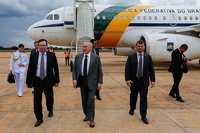 Presidente golpista Michel Temer recebe alta após angioplastia e retorna a Brasilia