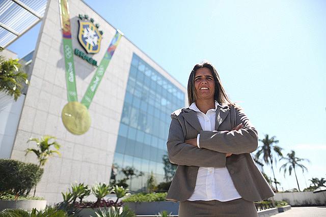 Emily Lima, nova técnica da Seleção Feminina principal