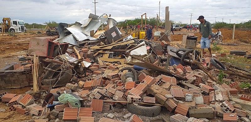 Em Juazeiro, policiais federais destruíram 700 hectares de roças produtivas das famílias, explica Evanildo.