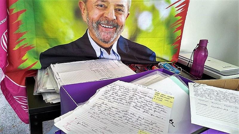 15 mil correspondências foram enviadas ao ex-presidente Lula desde sua prisão política, no dia 7 de abril