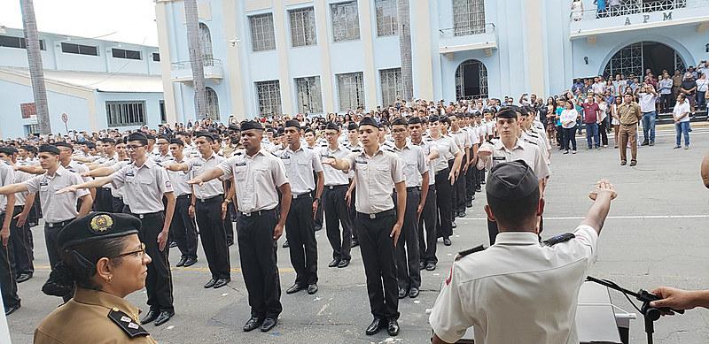 Oficiais serão monitores, gestores e focarão na disciplina escolar