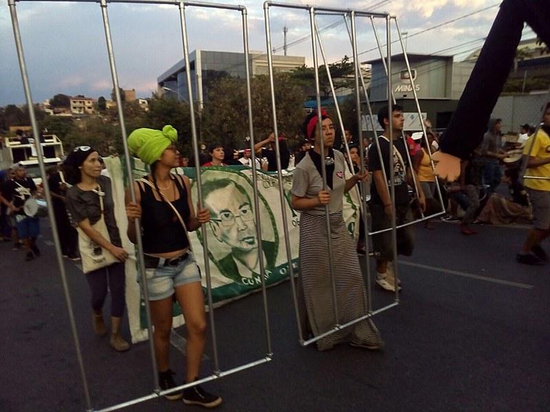 Jovens denunciam ligação da Rede Globo com golpismo e pedem prisão do deputado Eduardo Cunha