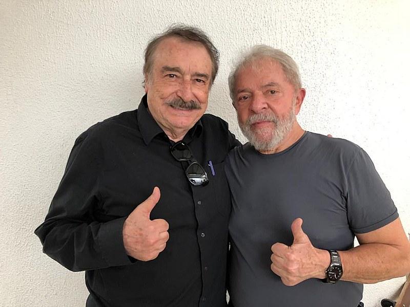 Lula y Ramonet durante la visita en la sede de la Policía Federal en Curitiba
