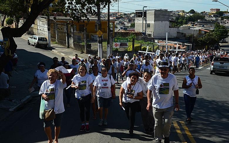 Caminhada percorre a zona sul: defesa da desmilitarização da polícia e por uma atuação mais próxima do povo