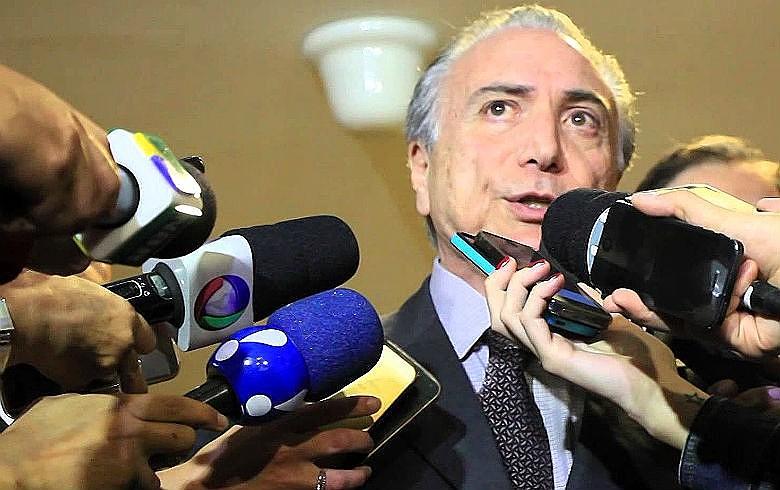 Michel Temer já acumula escândalos, crises políticas e impopularidade crescente em duas semanas de governo interino