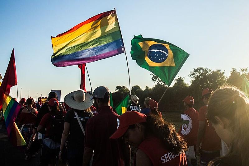 Elite e setores fundamentalistas estão de conluio para atacar a população LGBT