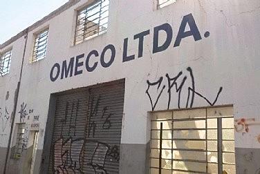 A desindustrialização brasileira tem como motivo principal a política de privatizações, consolidada principalmente no período FHC