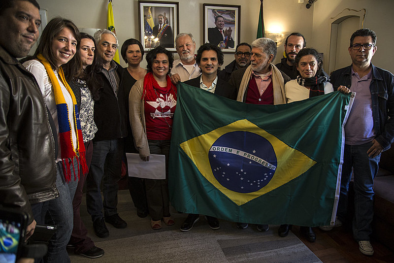 Representantes de movimentos populares fizeram uma visita de solidariedade ao cônsul da Venezuela em São Paulo