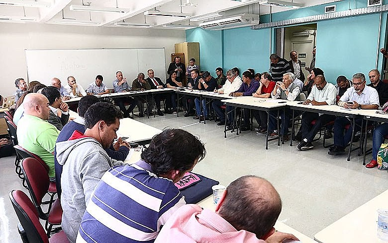 Reunião no Dieese teve participação de centrais e movimentos sociais