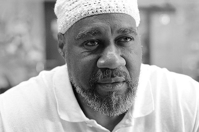 Anthony Bottom, se tornou Jalil Muntaqim quando se converteu ao islamismo, no início dos anos 70.