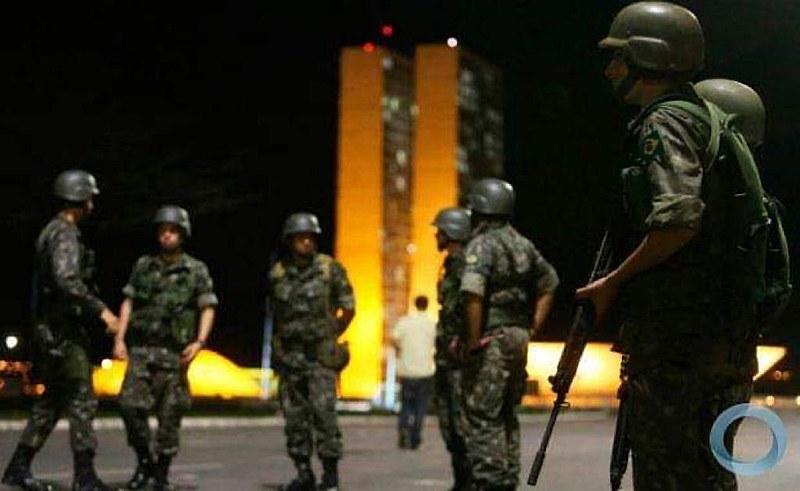 Intervenção militar durante carnaval no Rio só serviu para ajudar a contaminar quartéis pelo convívio com a economia política do crime